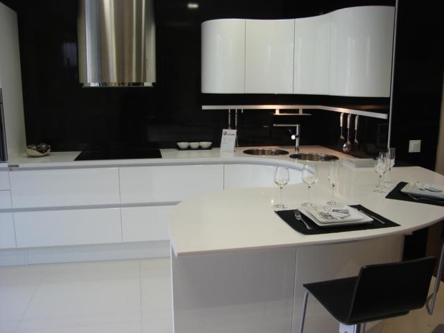 Marmoles ibars granitos silestone compac cocinas - Encimera silestone blanco ...